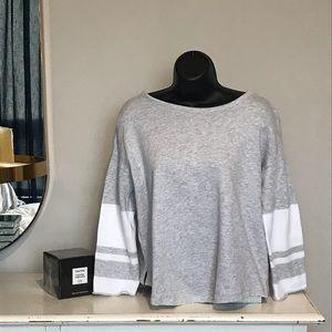 Just in 🛒Lou & Grey crew neck sweatshirt 🌻
